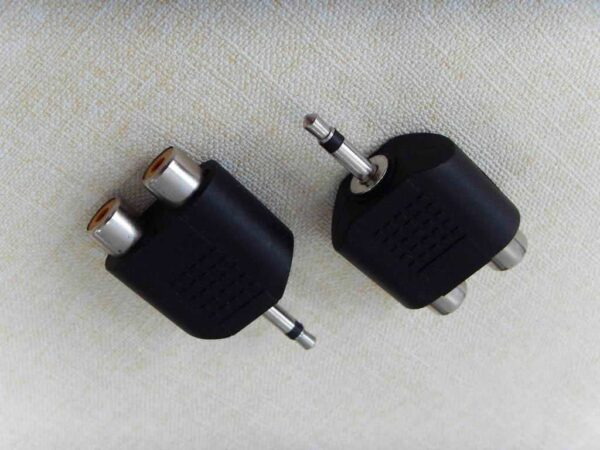 3.5mm Mono Jack Plug to 2 x RCA Female Adapter